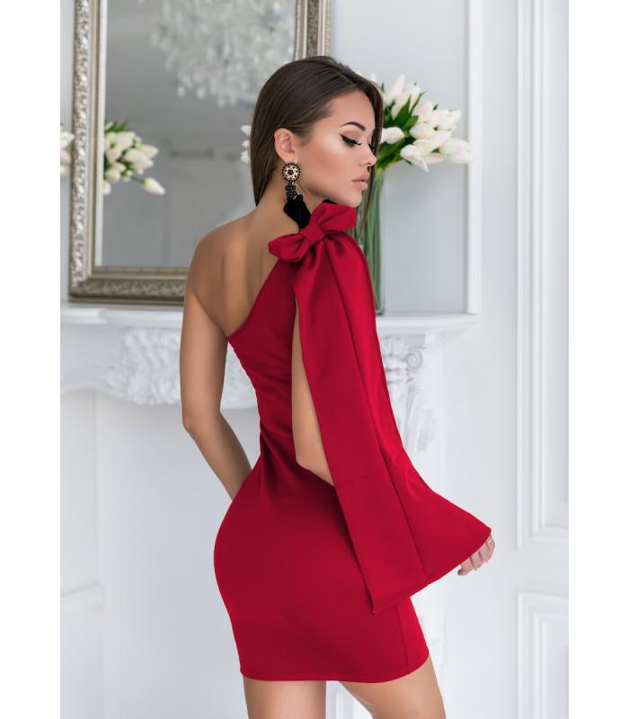 c1532c4c6e47 CERVENé extravagantné asimetricke šaty s mašlou priliehave elasticke ...