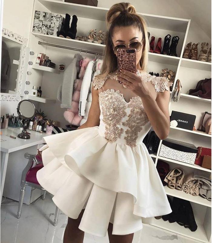 Luxusné krátke spoločenské šaty PRESTIGE Slávka Skoršepová 47bd04a8e83